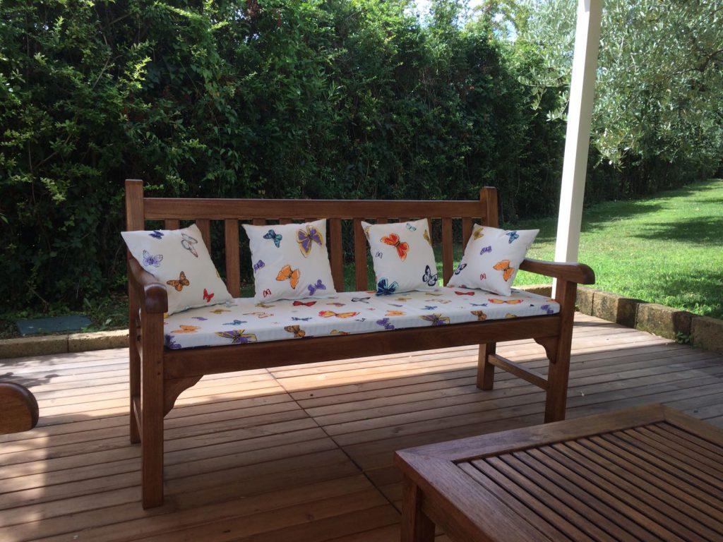 Sedute esterne realizzate con tessuti outdoor Tempotest - Relais La Magioca - Verona