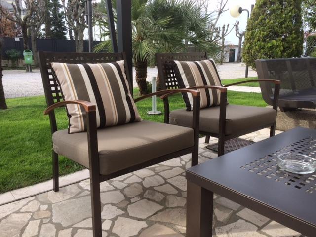 Sedute esterne realizzate con tessuti outdoor Relais La Magioca Negrar 6