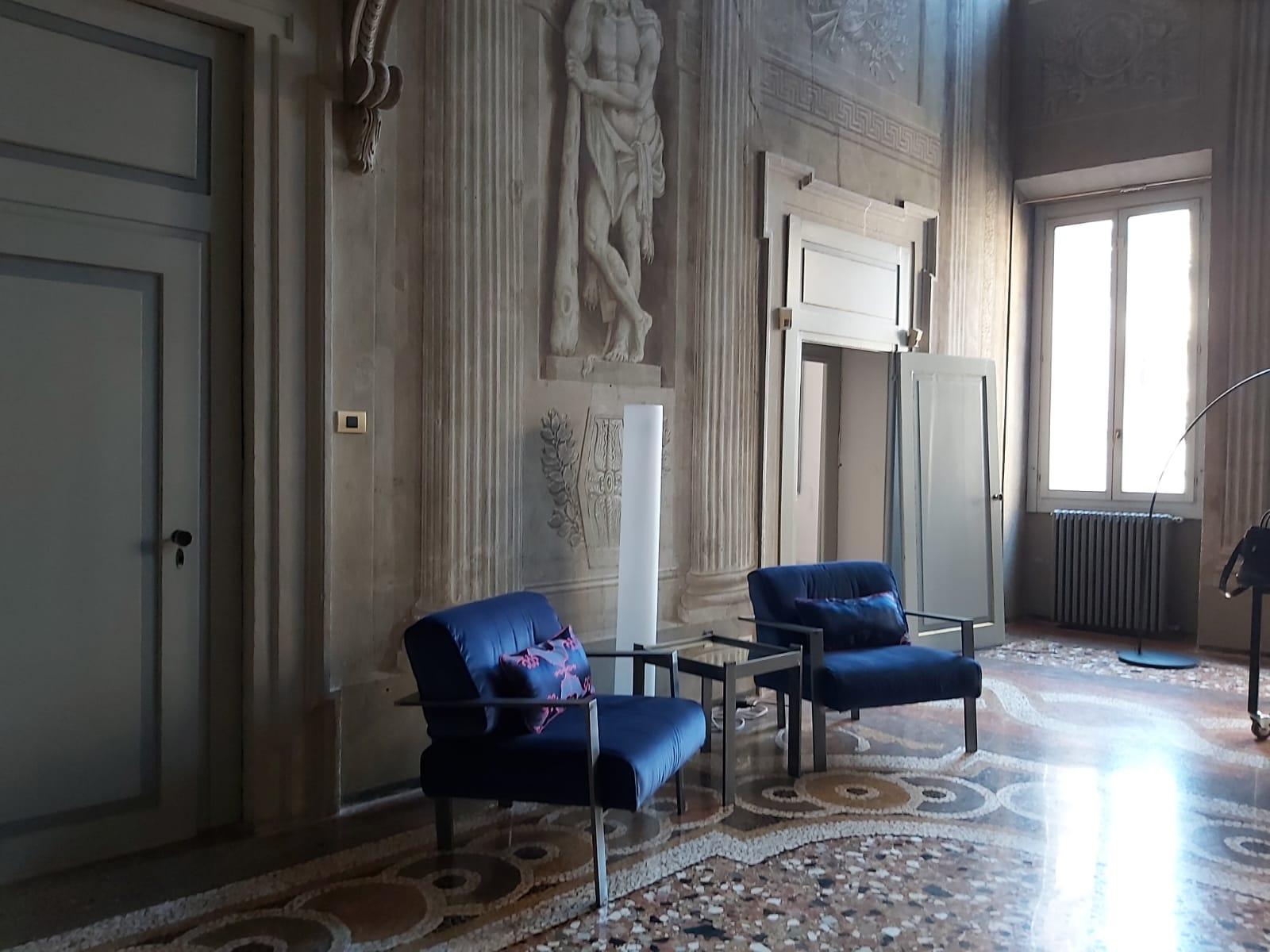 Palazzo Camozzini Business Center e Tappezzeria Ermecini